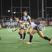 051018_HOCKEY_LAREN3